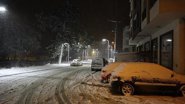 2021/01/ayvacikta-kar-yagisi-etkili-oluyor-463d1c3d7374-1.jpg