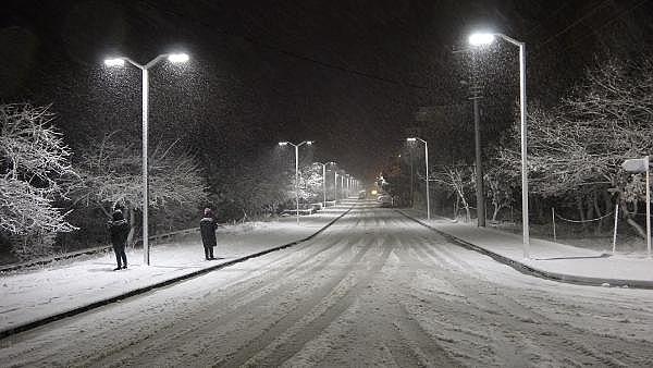 2021/01/ayvacikta-kar-yagisi-etkili-oluyor-463d1c3d7374-4.jpg