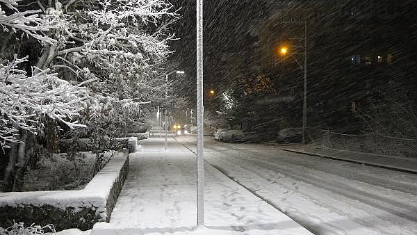 2021/01/ayvacikta-kar-yagisi-etkili-oluyor-463d1c3d7374-6.jpg