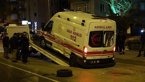 2021/01/canakkalede-hasta-tasiyan-ambulansla-taksi-carpisti-5-yarali-7aec821b78c2-10.jpg