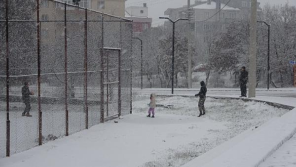 2021/01/canakkalede-kar-yagisi-basladi-404011d95a90-1.jpg