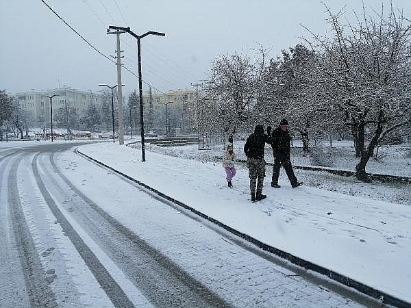 2021/01/canakkalede-kar-yagisi-basladi-404011d95a90-6.jpg