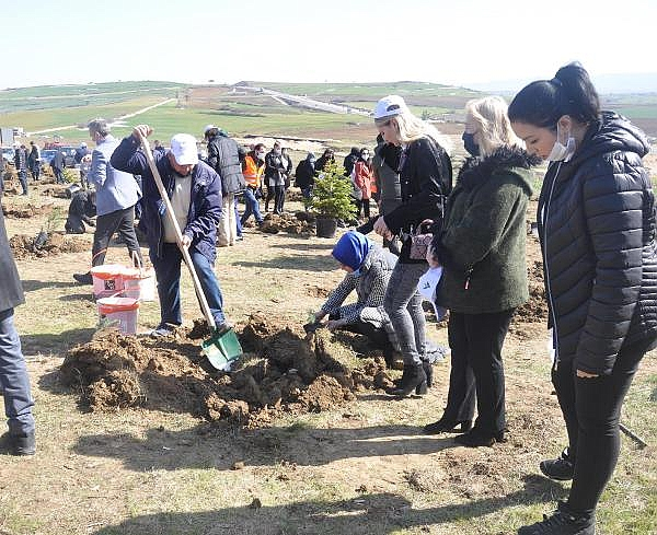 2021/02/cumhurbaskani-erdoganin-dogum-gununde-hatira-ormani-olusturuldu-ff05b1591344-8.jpg