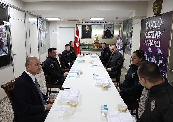 2021/04/cumhurbaskani-erdogan-polislerle-iftar-yapti-90971dd4b086-3.jpg