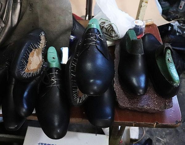 2021/04/yarim-asirdir-ayakkabi-tamir-ederek-ekmegini-kazaniyor-5b2d5b0a7674-13.jpg