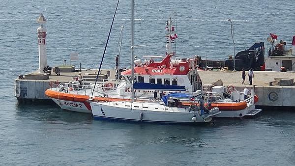 2021/07/canakkale-bogazinda-suruklenen-yelkenli-tekne-kurtarildi-c1d15af38cd7-7.jpg