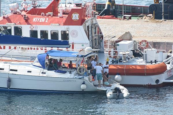 2021/07/canakkale-bogazinda-suruklenen-yelkenli-tekne-kurtarildi-c1d15af38cd7-9.jpg