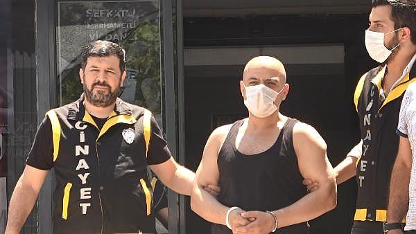 2021/07/polis-aracina-ates-acip-kilicla-direnen-saldirgan-adliyeye-sevk-edildi-8b87676670d7-3.jpg