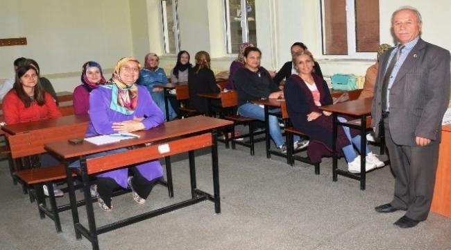 Lapseki'de 50 kişiye hasta kabul kursu verilecek