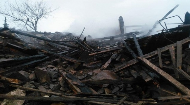 92 yaşındaki kadının evi kül oldu