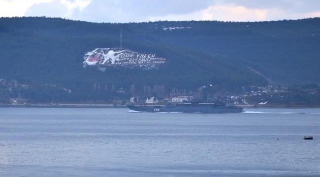 'Korolev' adlı Rus savaş gemisi Çanakkale Boğazı'ndan geçti.