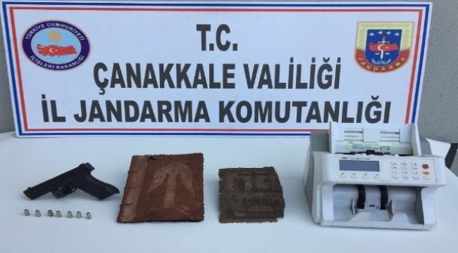 Çanakkale'de tarihi eser kaçakçısı 6 kişi yakalandı.
