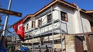 Atatürk'ün evi restore çalışmaları sürüyor