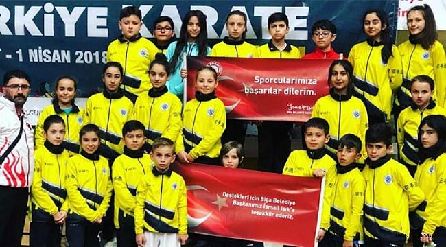 Küçük Sporcuların Karatede Büyük Başarısı