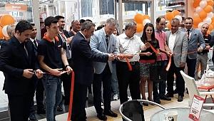 Tekzen Balıkesir'deki 5.mağazasını Burhaniye Kipa'da açtı