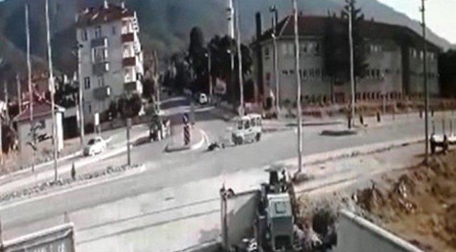 Motosiklet Sürücüsünün Öldüğü Kaza Kamerada