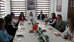 AK Parti'li Turan ve İskenderoğlu'ndan KADEM'e ziyaret