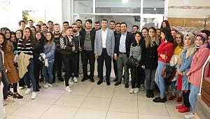 Başkan Arslan Üniversite Öğrencileri ile Kahvaltıda Buluştu