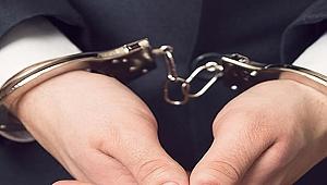 Çanakkale'de 1,5 yaşındaki bebeğini darbettiği ileri sürülen baba tutuklandı.