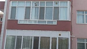 4'üncü kattan atlayarak intihar etti