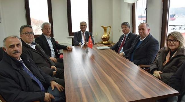 Belediye Başkanı Ülgür Gökhan, Emekli Astsubayları ve Ziraat Mühendisleri Odası'nı Ziyaret Etti