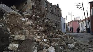 Depremin Bilançosu Gün Ağarmasıyla Gözler Önüne Serildi