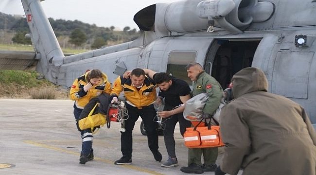 Gökçeada'da kalp krizi geçiren vatandaş helikopterle hastaneye ulaştırıldı