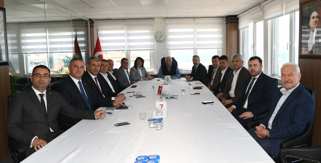 Turan, Lapseki'de Belediye Başkanları ile birlikte
