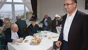 Biga Belediyesi'nden Huzurevi'nde iftar yemeği