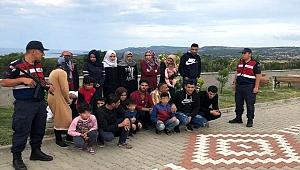 Çanakkale'de 78 göçmen kaçarken yakalandı