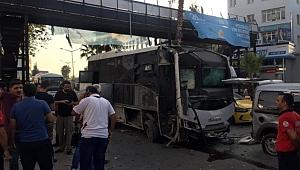 Adana'da polisleri taşıyan otobüse bombalı saldırı: 5 yaralı