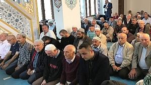 Şehitler Camii dolup taşıyor
