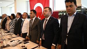 """Turan, """"O annelere destek olmak sizi AK Partili yapmaz sizi İnsan yapar"""""""