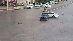Çanakkale'deki trafik kazaları mobese kameralarına yansıdı