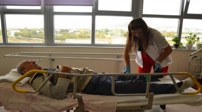 Felçli hasta 6 ayda yürümeye başladı