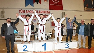 Bayramiç'te taekwondo şampiyonasına büyük ilgi