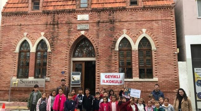 Çanakkaleli küçük sanatçılar müzeleri gezdi