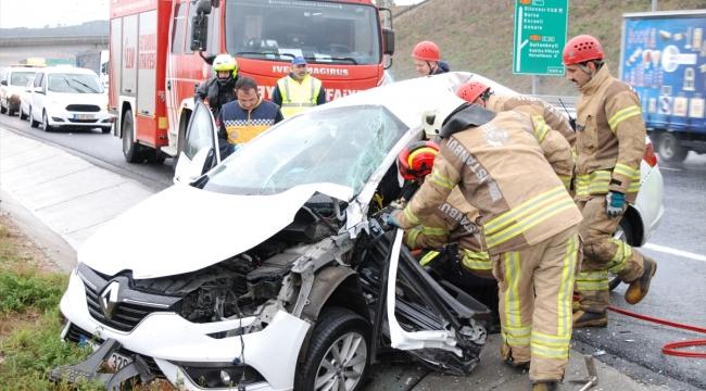 Kaygan zeminde iki otomobilin çarpıştığı kazada bir kişi öldü