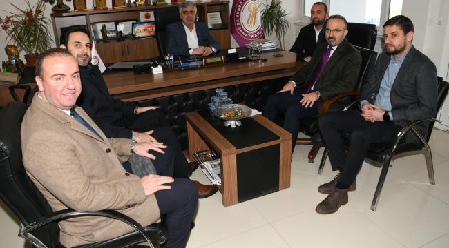 AK Parti Grup Başkanvekili ve Çanakkale Milletvekili Bülent Turan Biga Esnaf ve Sanatkarlar Odası'nda ziyarette bulundu.