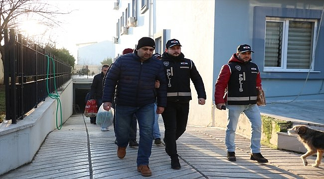 Balıkesir merkezli FETÖ/PDY operasyonunda yakalanan 10 şüpheli adliyeye sevk edildi