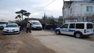 Bayramiç'te sokakta erkek cesedi bulundu