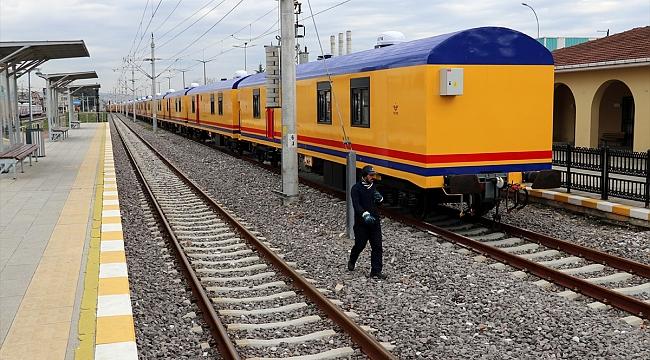 Depremzedeler, TCDD'nin gönderdiği konaklama treninde barınacak