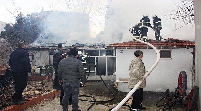 Gelibolu'da ev yangını