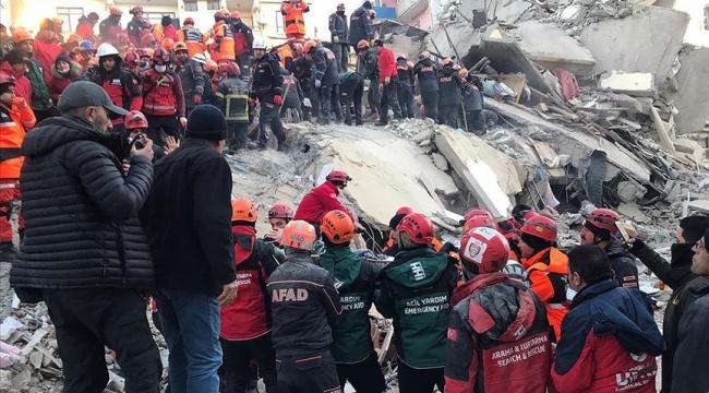 İki kişi daha enkaz altından kurtarıldı