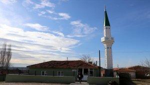 """Köylünün """"70 yıllık minare hasreti"""" sona erdi"""