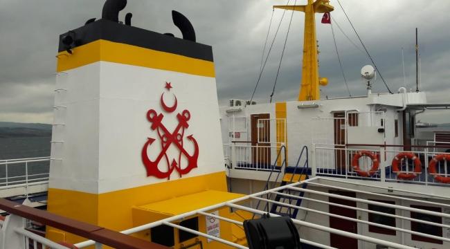 Şehid Ömer Halisdemir gemisi bakımdan geçti
