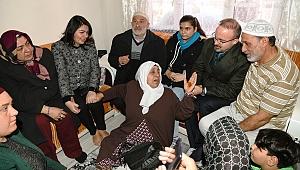 Turan umreden gelen vatandaşları ziyaret etti