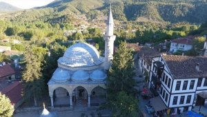 504 yıllık cami tarihe ışık tutuyor