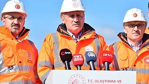 Ulaştırma ve Altyapı Bakanı Turhan 1915 Çanakkale Köprüsü inşaatında incelemede bulundu