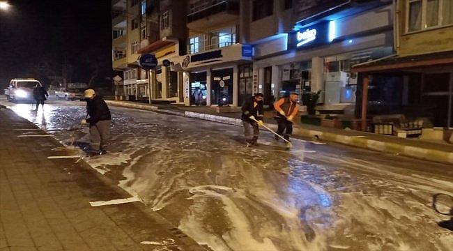 Gelibolu'nun cadde ve sokaklarında dezenfekte çalışması sürüyor